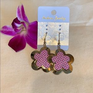 Jewelry - New gold flower and pink earrings